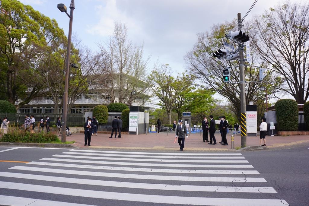 東海大学湘南キャンパス北門